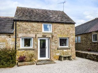 LOWFIELD COTTAGE, en-suite, WiFi, walks from the door, quaint cottage near Bakewell, Ref. 914071 - Bakewell vacation rentals