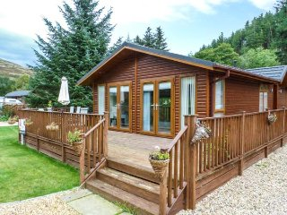 PING LODGE, detached ground floor lodge, WiFi, Glendevon, Ref: 938051 - Glendevon vacation rentals