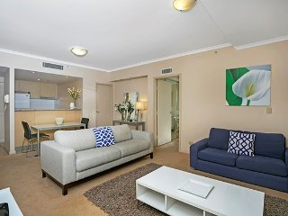 HELP4 - Fully furnished in the heart of Chatswood - Chatswood vacation rentals