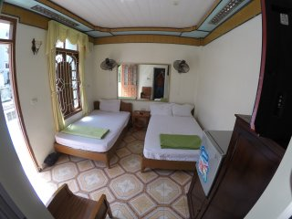 5 bedroom House with Internet Access in Cat Ba - Cat Ba vacation rentals