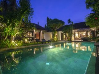 GreenC, Luxury 2 Bedroom Villa, Closed Living, Seminyak - Seminyak vacation rentals