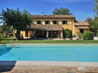 Comfortable 5 bedroom Villa in Pesaro - Pesaro vacation rentals