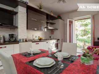 APARTMENT CENTRAL AL TORTELLINO - QUIET AND LOVELY - Bologna vacation rentals