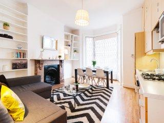 The Kensington Beaumont Crescent - London vacation rentals