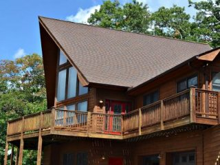 Nice Cabin with Deck and Internet Access - Deep Gap vacation rentals