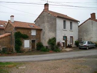2 bedroom House with Internet Access in L'Isle-Jourdain - L'Isle-Jourdain vacation rentals