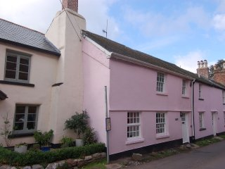 Bright 3 bedroom House in Combeinteignhead - Combeinteignhead vacation rentals