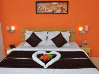 Comfortable Condo with Internet Access and A/C - Chennai District vacation rentals