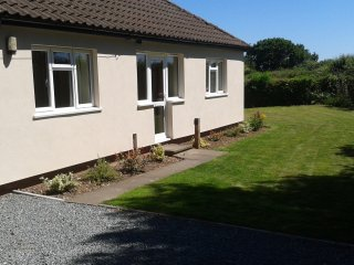Lovely 3 bedroom House in Kenilworth with Internet Access - Kenilworth vacation rentals