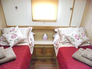 River Thames Hotel Boat - 'Continental or Full English Breakfast' - Abingdon vacation rentals