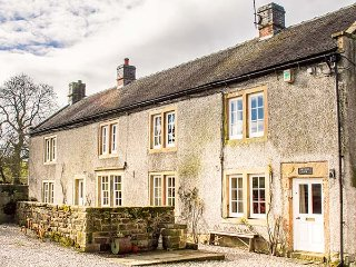 LOWFIELDS FARM, farmhouse with woodburner, parking, garden, near Bakewell, Ref 914070 - Middleton By Youlgreave vacation rentals