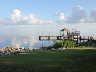 P58 Grassy Key Delight--- 3 Bedroom with pool - Grassy Key vacation rentals
