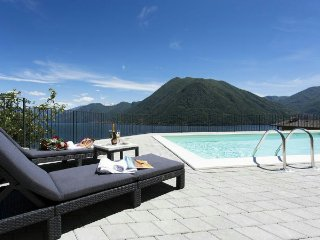 2 bedroom Apartment with Internet Access in Argegno - Argegno vacation rentals