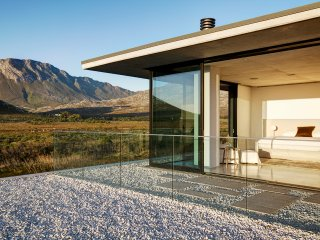 5 bedroom House with Deck in Pringle Bay - Pringle Bay vacation rentals