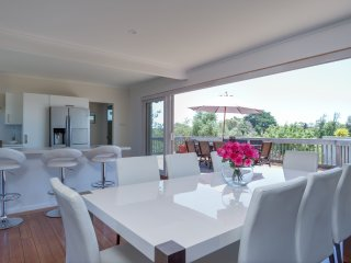 RUSSELL CRESCENT (CNR WEBSTER) SORRENTO (S405269315) - BOOK NOW FOR SUMMER BEFORE YOU MISS OUT - Sorrento vacation rentals