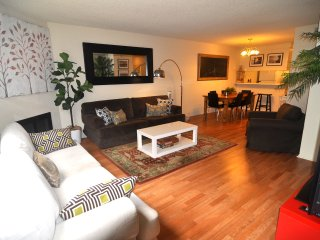 Spacious Townhouse Walk to the Pier & 3rd street - Santa Monica vacation rentals