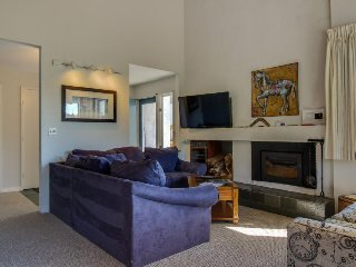 Inviting condo w/ 3 shared pools, hot tub, tennis,  & fun-filled game room - Warren vacation rentals