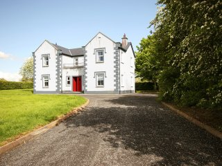 Bright 4 bedroom House in Birr - Birr vacation rentals