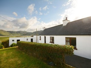Comfortable Cottage with Internet Access and Central Heating - Ardara vacation rentals