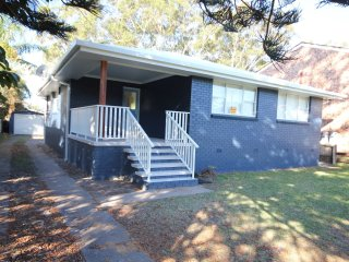 Perfect House with Television and DVD Player - North Haven vacation rentals