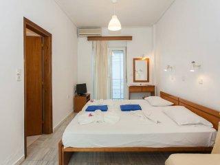 1 bedroom Condo with Television in Agii Apostoli - Agii Apostoli vacation rentals
