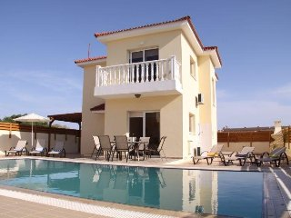 Golden Sands villa - 4 bedroom villa, Nissi Beach - Ayia Napa vacation rentals