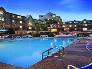 Wyndham Long Wharf Water Front Resort! - Newport vacation rentals