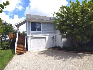 Charming House with Deck and Parking - Sanibel Island vacation rentals