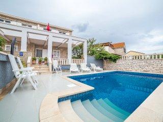 TH01556 Villa Vania / Two bedrooms apartment A2 2+2 - Povlja vacation rentals