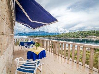 TH01556 Villa Vania / Two bedrooms apartment A4 2+2 - Povlja vacation rentals