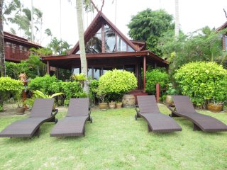 Deluxe Beach House A 4 - Maret vacation rentals