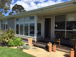 Beautiful 3 bedroom Vacation Rental in Portarlington - Portarlington vacation rentals