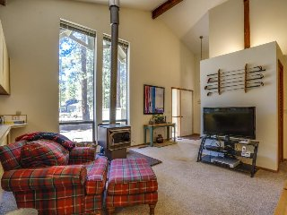 Bright resort home w/ shared pool, hot tub & more - awesome location! - Black Butte Ranch vacation rentals