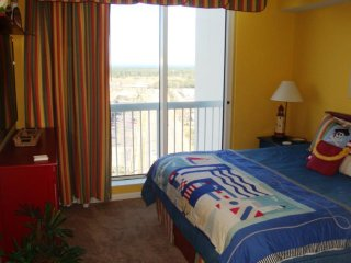 Vacation Rentals Silver Beach Towers E-1603 - Destin vacation rentals