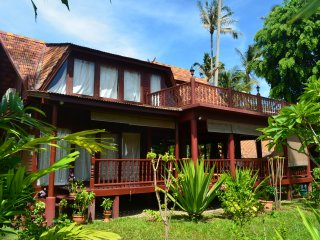3 bedroom House with Internet Access in Maret - Maret vacation rentals