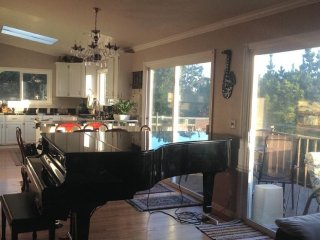 Furnished 5-Bedroom Apartment at Grand Ave & Olympian Way Pacifica - Pacifica vacation rentals