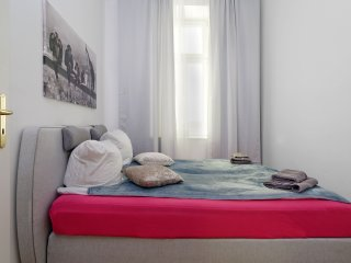 Great Central City 2ROOMS Apt. Berlin MITTE - Berlin vacation rentals