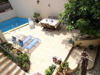 Amandier French gite for rent with pool, sleeps 6 - Neffies vacation rentals