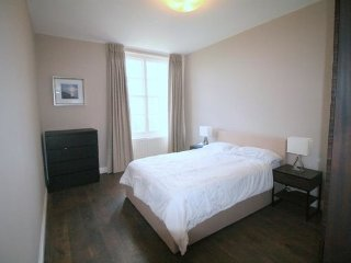 Abbey Luxurious 2 bedroom Apartment - London vacation rentals
