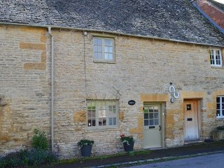 Charming 2 bedroom House in Maugersbury - Maugersbury vacation rentals