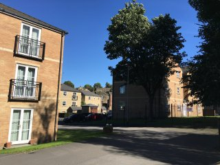 Broom Mills Farsley, 2 bed apartment with parking - Leeds vacation rentals