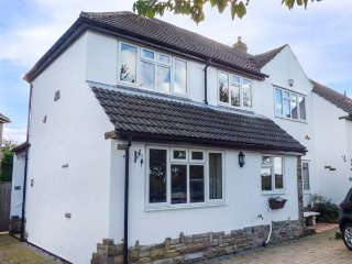DRAGONS' DEN, WiFi, patio with furniture, close to York, York, Ref: 935937 - York vacation rentals
