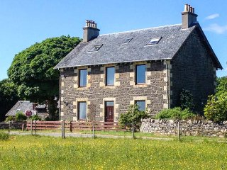 DOIRLINN HOUSE, detached, woodburner, pet-friendly, four of five bedrooms en-suite, garden, in Kilchoan, Ref 941774 - Kilchoan vacation rentals