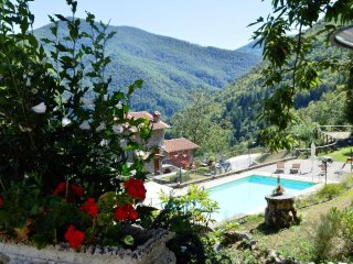 Spacious 4 bedroom House in Borgo a Mozzano - Borgo a Mozzano vacation rentals