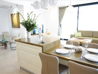 Hayarkon 96 Tower, Luxury Suite Beach Front - Tel Aviv vacation rentals
