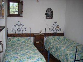 camera doppia con bagno in comune - Urbino vacation rentals