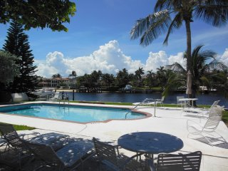 Cozy Condo with Internet Access and A/C - Hillsboro Beach vacation rentals