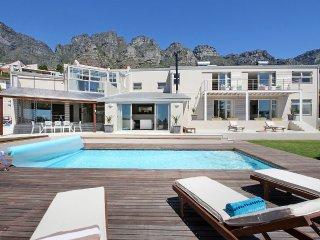 Spacious 8 Bed Sea View Villa in Camps Bay | Amber - Bakoven vacation rentals