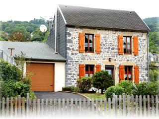 Bright 2 bedroom La Bourboule House with Internet Access - La Bourboule vacation rentals