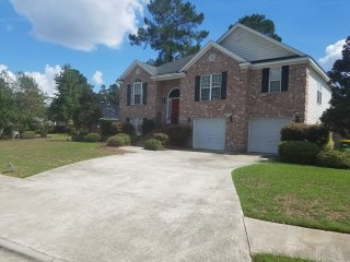 Godley Station Beauty Perfect For A Large Group - Pooler vacation rentals